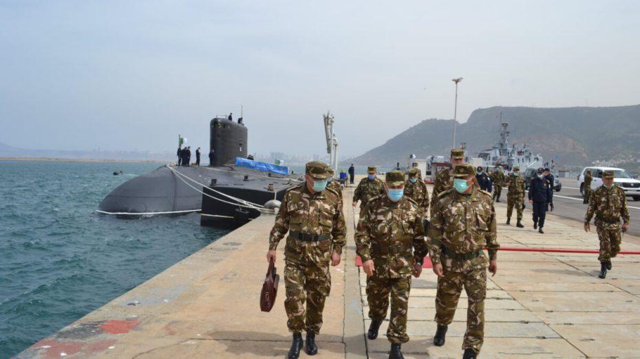 قائد القوات البحرية بالنيابة يتفقد الواجهة البحرية الغربية