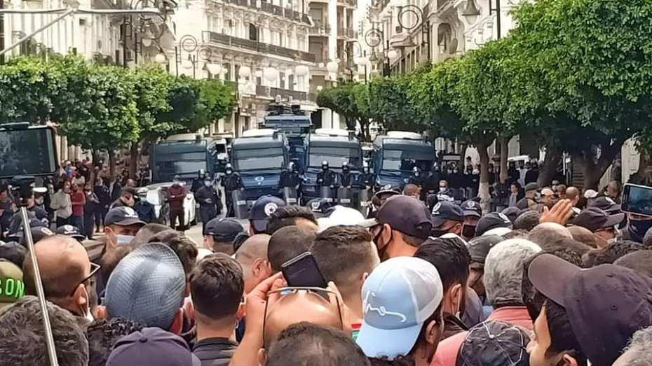 وزارة الداخلية تفند استلامها طلب رخصة تنظيم مسيرة الجمعة