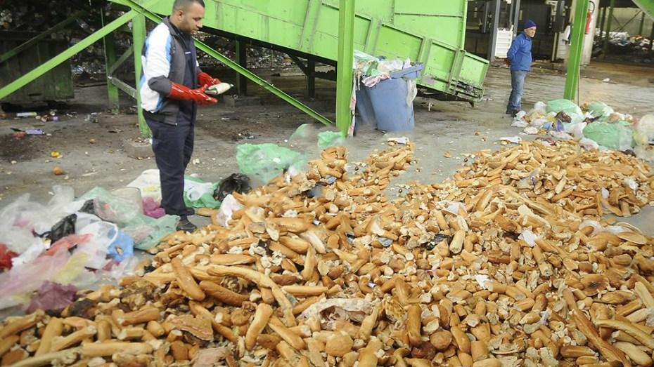 رفع 9 أطنان من الخبز منذ حلول رمضان