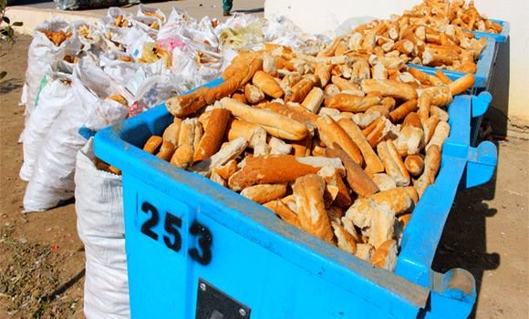 هدر أكثر من 4 أطنان من الخبز خلال يوم واحد