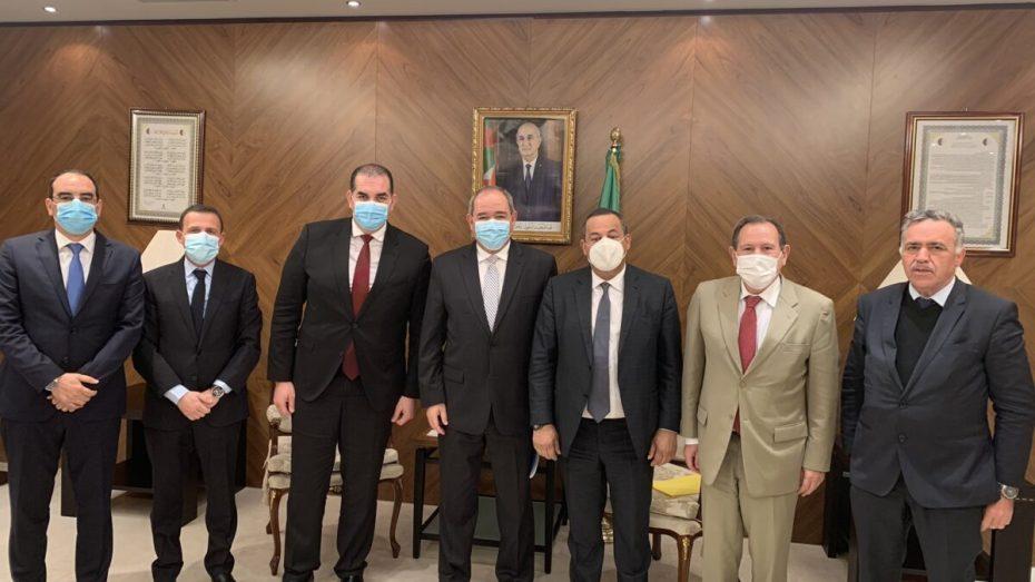 بوقادوم يجتمع برئيس الكونفدرالية الجزائرية لأرباب العمل