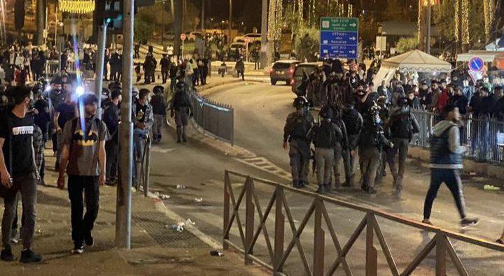 الاحتلال الإسرائيلي يواصل قمع المصلين في القدس المحتلة