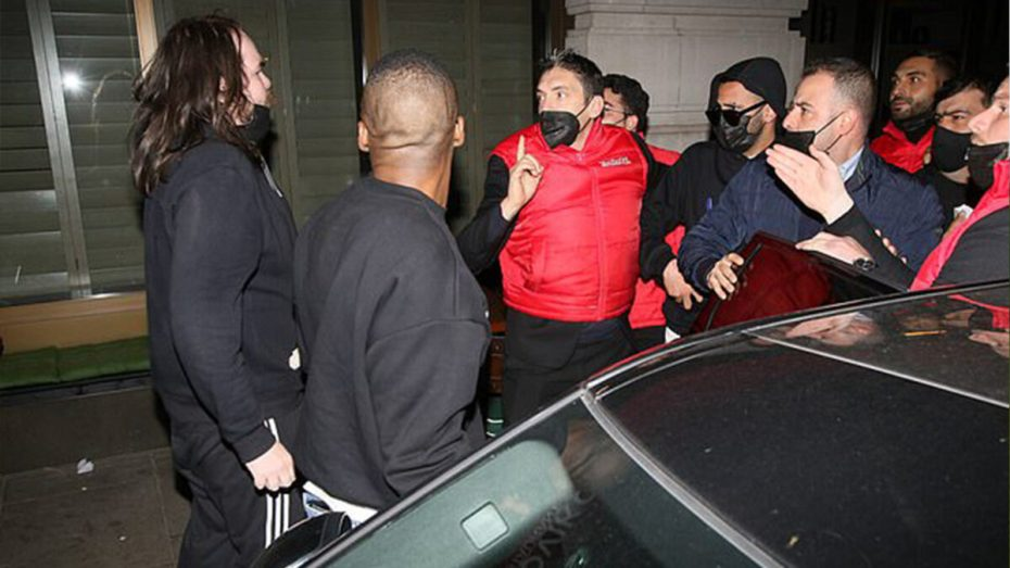 بالصور.. محرز ينجو من محاولة اعتداء في لندن