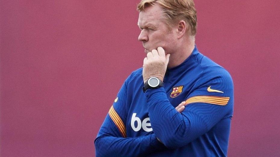 برشلونة يتجه لإقالة المدرب كومان