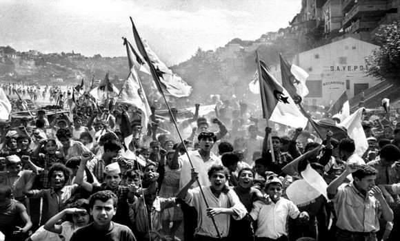"""ليبراسيون: الذكرى المؤلمة للمختفين """"شوكة في مسار ملف الذاكرة بين الجزائر وفرنسا"""""""