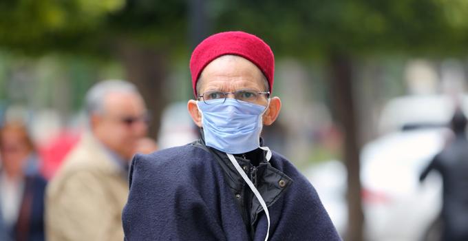 تونس تفرض غلقا شاملا خشية من انهيار نظام الرعاية الصحية
