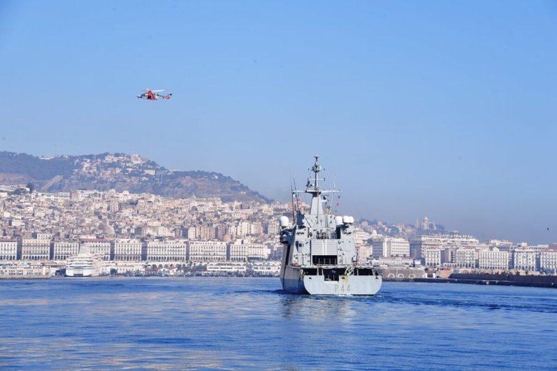 بالصور.. طواف حلف شمال الأطلسي يرسو بميناء الجزائر