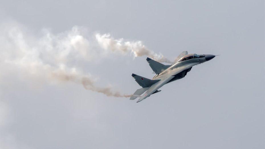 """بالصور.. أول ظهور للطائرة """"ميغ – 29"""" الجديدة في الجزائر"""