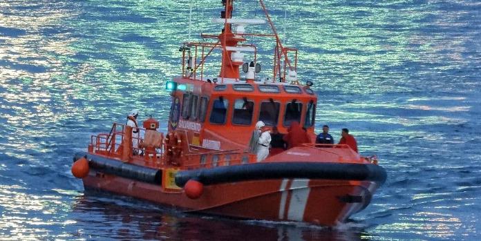 بالفيديو.. إنقاذ 14 حراقا جزائريا في سواحل مدينة أليكانت الإسبانية