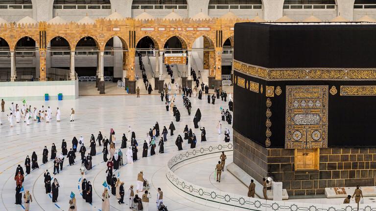 السعودية تعلن استئناف العمرة بشروط