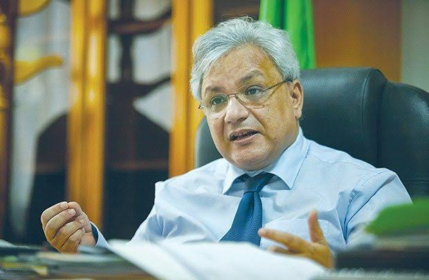 وزير الصناعة الصيدلانية يدعو لتوفير اختبارات كشف وتحاليل كورونا