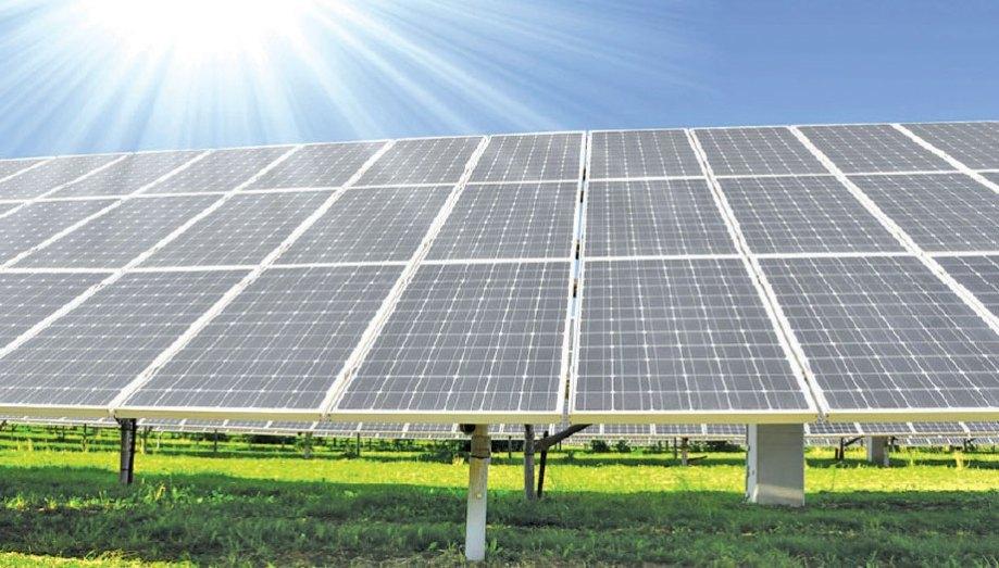 الجزائر توقع اتفاقية مع شركة عربية لإنشاء 05 محطات للطاقة الشمسية
