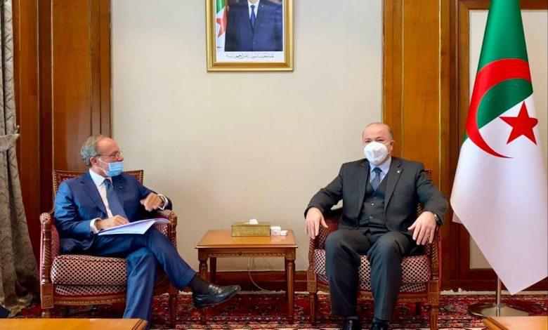 الوزير الأول يستقبل السفير الإيطالي بالجزائر