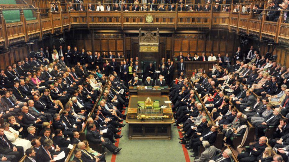 البرلمان البريطاني يقدم مسودة توصية تدين انتهاكات المغرب في الصحراء الغربية