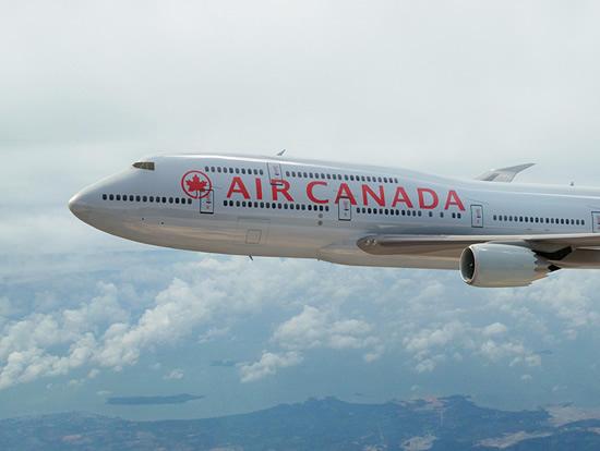 Air_canada_747-8