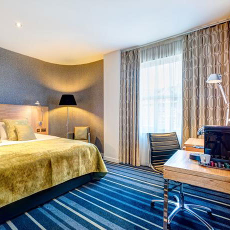 apex-city-of-edinburgh-room