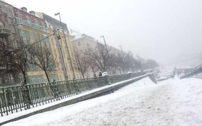 Prague Naplavka - walk to the river in snow