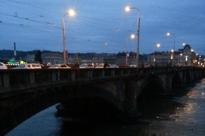RZKing_Bridge_at_Night_Prague