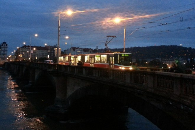 RZKing_Trams_On_PalackehoBridge_at_night_Prague