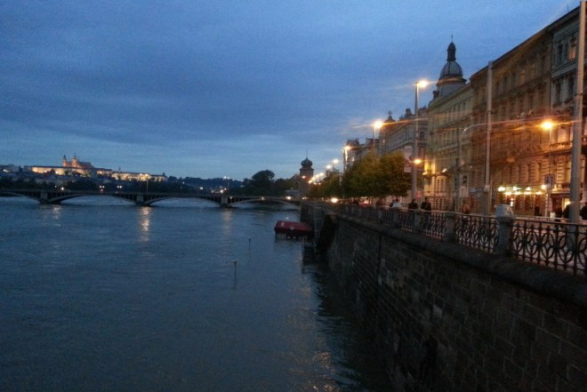 RZKing_night_flooded_Vltava_SmetanovoNabrezi