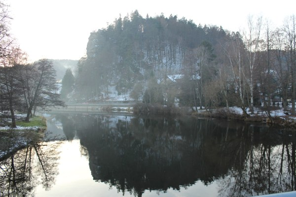rockmountain_reflectedintheriver_inwinter_malaskala