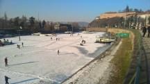Skating_on_frozenriver_Vltava_PragueWinter