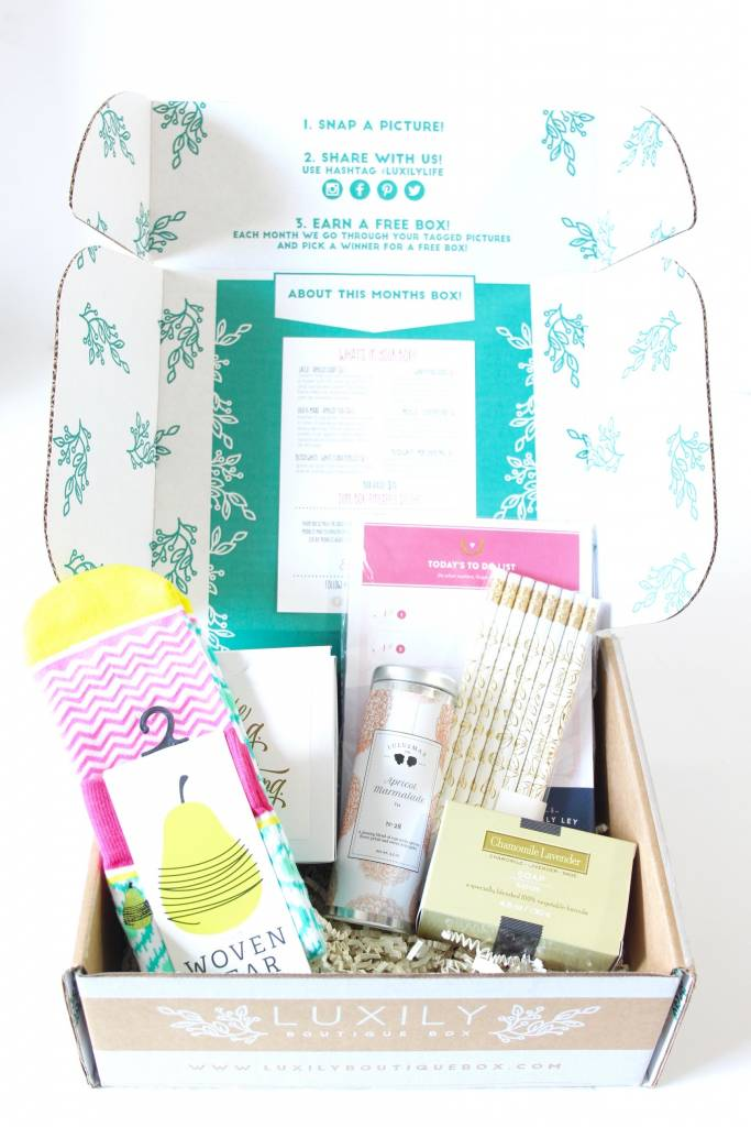 Luxily Boutique Box April 2016 3
