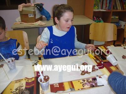 Ludoteca_2015-Taller_de_chocolate-Galerias-Ayuntamiento-de-Ayegui (19)