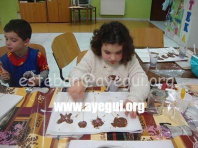 Ludoteca_2015-Taller_de_chocolate-Galerias-Ayuntamiento-de-Ayegui (29)