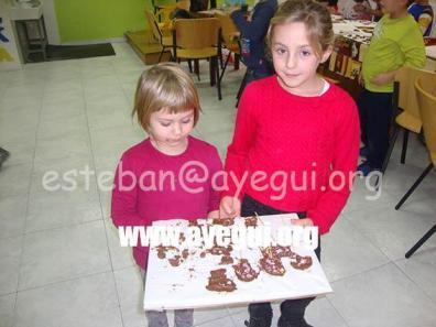 Ludoteca_2015-Taller_de_chocolate-Galerias-Ayuntamiento-de-Ayegui (39)