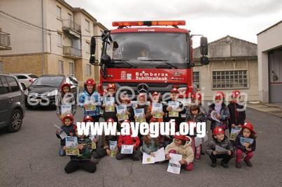 Ludoteca_2015-Visita_al_parque_de_bomberos-Galerias-Ayuntamiento-de-Ayegui (104)