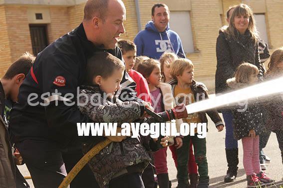 Ludoteca_2015-Visita_al_parque_de_bomberos-Galerias-Ayuntamiento-de-Ayegui (20)