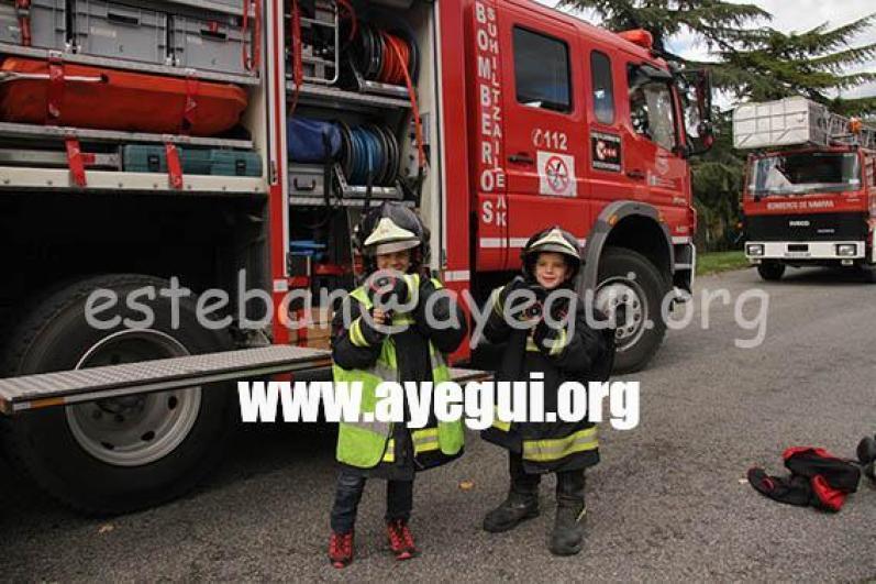 Ludoteca_2015-Visita_al_parque_de_bomberos-Galerias-Ayuntamiento-de-Ayegui (45)