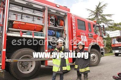 Ludoteca_2015-Visita_al_parque_de_bomberos-Galerias-Ayuntamiento-de-Ayegui (49)