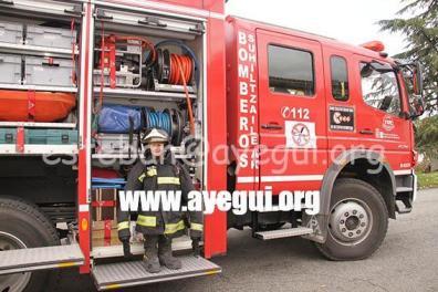 Ludoteca_2015-Visita_al_parque_de_bomberos-Galerias-Ayuntamiento-de-Ayegui (59)