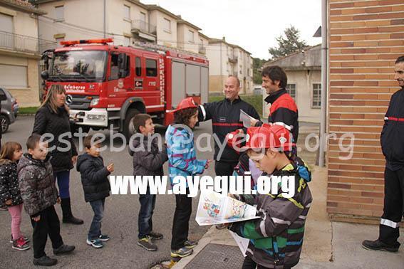 Ludoteca_2015-Visita_al_parque_de_bomberos-Galerias-Ayuntamiento-de-Ayegui (99)