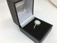 9 carat white gold opal single stone ring - Aylesbury Bullion