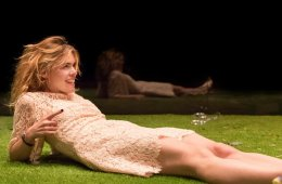 Billie Piper in Yerma c. Johan Persson