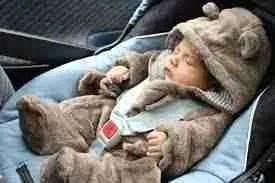 Los bebés distinguen patrones y variaciones musicales mientras duermen