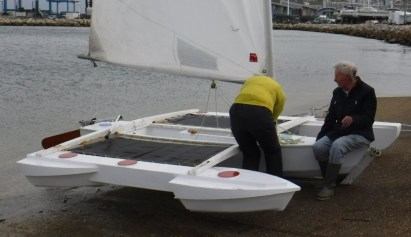 Fred's trimaran with experimental floats