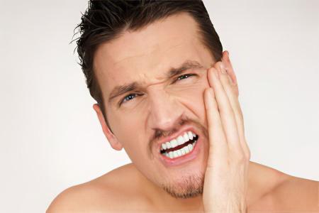 Болит ухо и челюсть