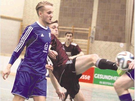Der TuS Bodenteich (links Christoph Dietterle) tritt beim 8. AZ-Presse-Cup mal wieder mit breiter Brust an und liebäugelt mit dem Halbfinaleinzug.