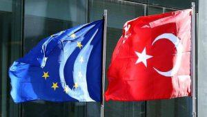 Yunan nazir Türkiyə ilə müzakirələri dayandırmağı yanlış sayır