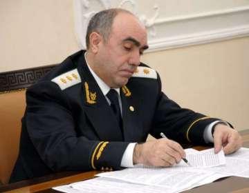 Zakir Qaralov xalq şairinin oğlunu istefaya göndərdi
