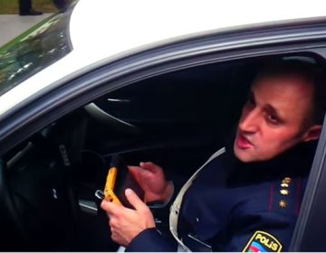 """""""Sənin başın partlayar"""" – Yol polisindən hədə + Video"""