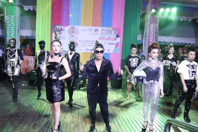 """Sasha Namara's """"Nasha Prive"""" collection was an edgy fusion of biker-rock-chic with leather fabrics, graphic tees and a monochrome palette which perfectly embodied the theme """"Street Park""""."""