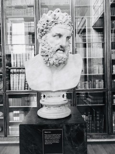 Boynu Bükük Herkül - British Museum