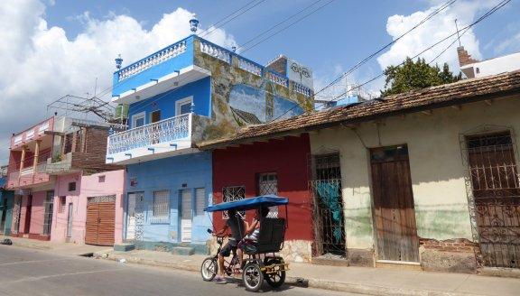 Alweer zo'n leuk straatbeeldje. Dit keer met bicitaxi. Trinidad