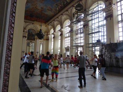 Dansen doe je in het Museo de la Revolucion. Havanna