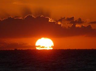 Als een vuurbal in de zee zakt... Isla Mujeres